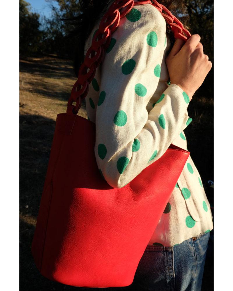 bolso cubo ochos rojo modelo