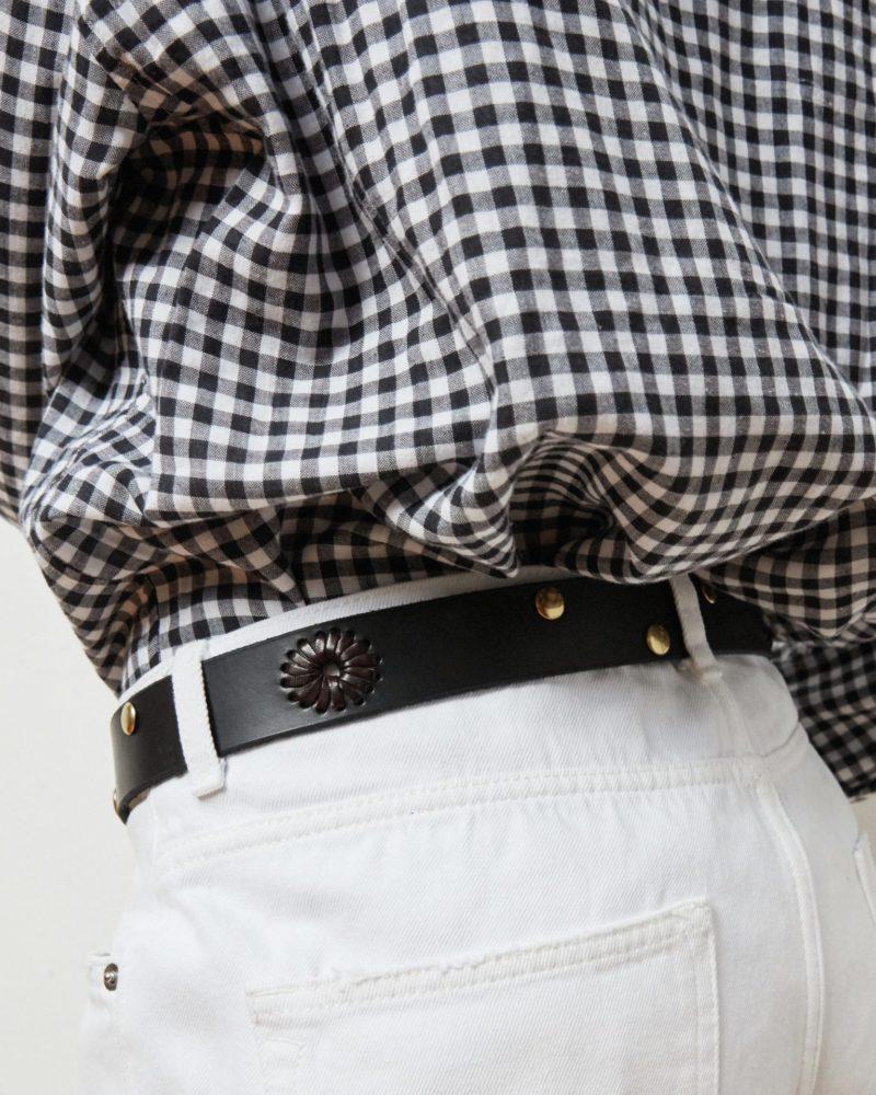 cinturón negro tachuelas modelo